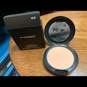New Mac face powder